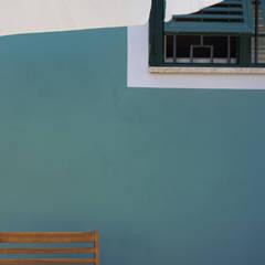 Colore esterno.: Terrazza in stile  di Rifò