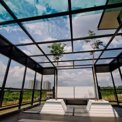 LOT. 18, VANDA PRECINT, MINES SOUTH LAKE:  Conservatory by Arkitek Axis, Modern