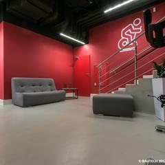 Klub sportowy Fabryka Formy: styl , w kategorii Podłogi zaprojektowany przez Bautech Sp. Z O.O.