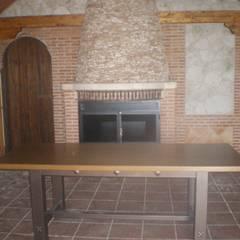 Construcción Casa de Madera a Medida: Comedores de estilo rústico de Dimumarco SLU