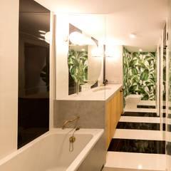 Baño: Baños de estilo  de tiovivo creativo