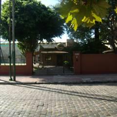 Club  Deportivo La Palmera: Bares y Clubs de estilo  por GR ARQUITECTURA