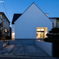 Multi-Family house by 石川淳建築設計事務所, Minimalist