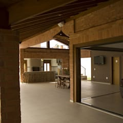 الممر والمدخل تنفيذ Kako Braga Arquitetura e Design,