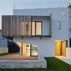 در و پنجره by e|348 arquitectura