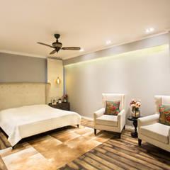 Chattarpur Farm House , New Delhi: eclectic Living room by Total Interiors Solutions Pvt. ltd.