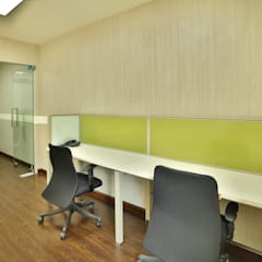 NM HOLISTIC & WELLNESS CENTER, GOL MARKET, NEW DELHI:  Study/office by Total Interiors Solutions Pvt. ltd.