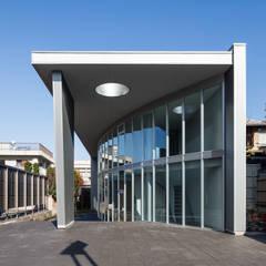山形県税理士会: 空間芸術研究所/vectorfield architectsが手掛けたオフィスビルです。