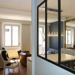 Appartement 55 m2: Salon de style de style Classique par RB CONCEPT