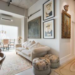 Studio Ideação Ruang Keluarga Klasik Beton Grey