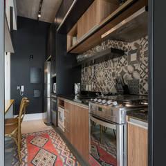Studio Ideação Unit dapur Kayu Black