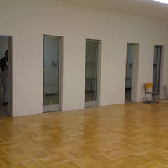 Realschule Rheinhausen in Duisburg:  Esszimmer von Kaya Architekten