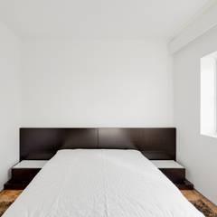 Apartamento - Póvoa de Varzim: Pavimentos  por e|348 arquitectura