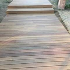 Pisos de estilo  por Drevo - Wood Solutions Lda, Tropical
