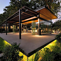 Casitas de jardín de estilo  por Elettrico Lighting LLC