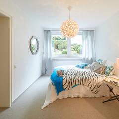 Exponierte Unternehmervilla in Bestlage - Entspannen:  Schlafzimmer von Tschangizian Home Staging & Redesign
