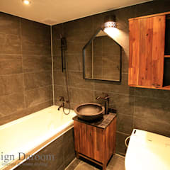 rustic Bathroom by Design Daroom 디자인다룸