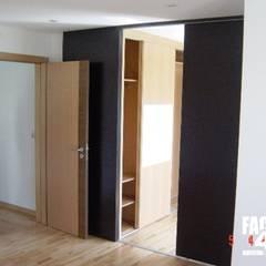 Interior#005: Portas  por Factor4D - Arquitetura, Engenharia & Construção