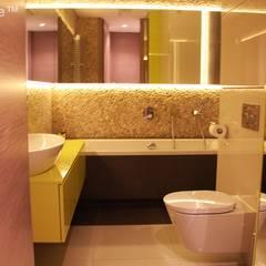 Pebble tile bathroom - Beige Pebble Tiles:  Bathroom by Lux4home™ Indonesia
