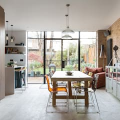 Lady Somerset 2:  Built-in kitchens by Martins Camisuli Architects