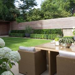 Family Garden In South West London:  Garden by Belderbos Landscapes