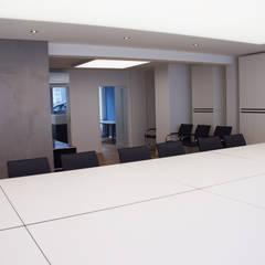 Biuro w Niemczech : styl , w kategorii Biurowce zaprojektowany przez Bautech Sp. Z O.O.