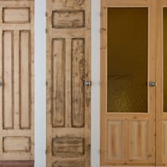 Wooden doors by La Proyectual,