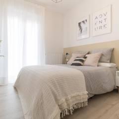 Reforma y decoración de piso para alquiler turístico: Dormitorios de estilo  de Become a Home
