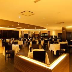 Bares y Clubs de estilo  por Northmos Sdn Bhd,