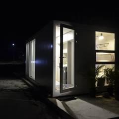 현장조립이 가능한 모듈러건축 브랜드,마룸: 마룸의  조립식 주택