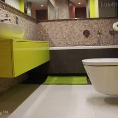 Mozaika z otoczakow na scianie - bezowa lzienka otoczaki: styl , w kategorii Ściany zaprojektowany przez Lux4home™