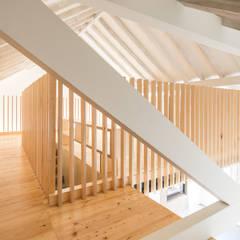 Casa na Trafaria: Salas multimédia  por Manuel Tojal Architects