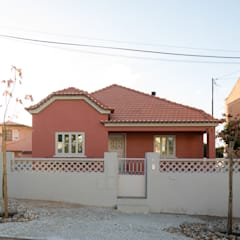 斜脊屋頂 by Manuel Tojal Architects