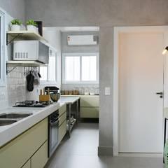 Cozinha Fouet Atelier: Espaços gastronômicos  por Quadra 17 I Arquitetura e Interiores