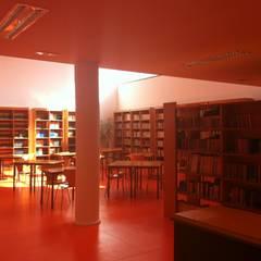 Escola Básica Integrada de Angra do Heroísmo - Remodelação e Ampliação: Escolas  por PE. Projectos de Engenharia, LDa