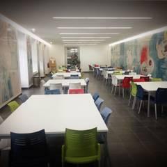 Remodelação do Refeitório/Bar Escola Antero de Quental: Escolas  por PE. Projectos de Engenharia, LDa