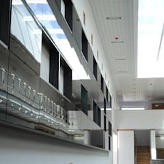 Academia da Juventude - Santa Cruz: Centros de exposições  por PE. Projectos de Engenharia, LDa