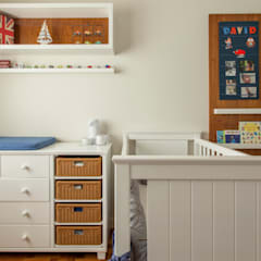 Dormitorios de bebé de estilo  por Marcella Loeb,