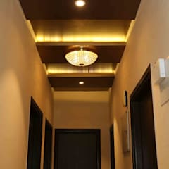 Mr. Tarun Bansal, Deonar:  Corridor & hallway by Aesthetica