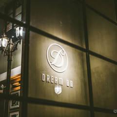 月光夢行  Walk with Me in Moonlight:  酒吧&夜店 by 文山之丘設計工作室