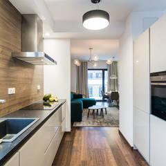 Apartament Kolonialny: styl , w kategorii Kuchnia zaprojektowany przez Pracownie Wnętrz Kodo