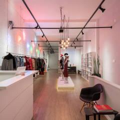 Studio Ideação Ruang Komersial Modern MDF White