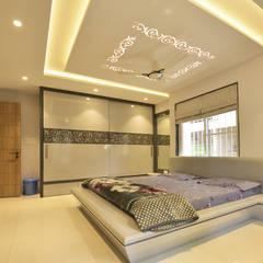 Mr. Shekhar Bedare's Residence: modern Bedroom by GREEN HAT STUDIO PVT LTD