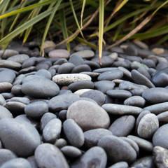 Beach Pebbles 16-25mm :  Vorgarten von Amagard.com - Gartenmaterialien