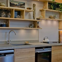 Kitchen units by Hout Design,