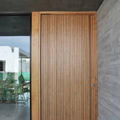 Doors by En bruto, Industrial