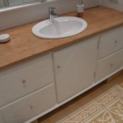 country Bathroom by Meyerfeldt Architektur & Innenarchitektur