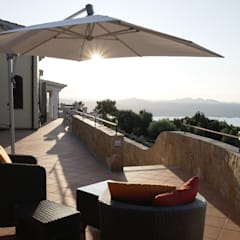 Meerblick:  Terrasse von Meyerfeldt Architektur & Innenarchitektur