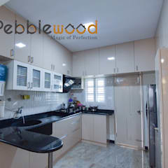 Sriharsha - Ullal - Bangalore:  Kitchen by Pebblewood.in
