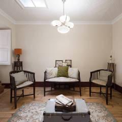 Sala de Estar : Salas de estar  por Estúdio AMATAM